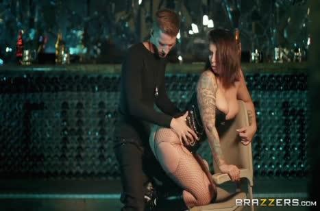 Роскошная Айви Лебелль устроила классное фетиш порно 3