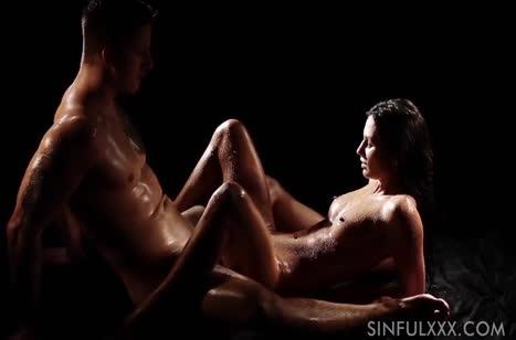 Розалин Роза романтично трахается и получает суперский оргазм 4