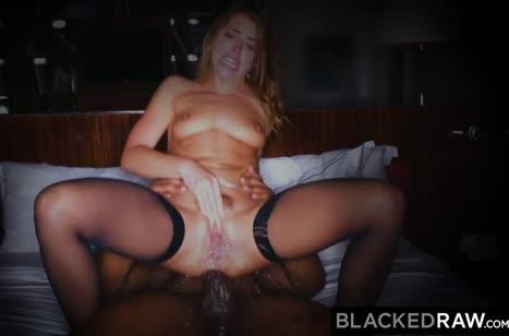 Похотливая Adriana Chechik дает черному от первого лица 6