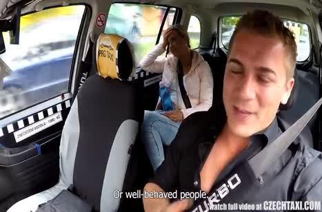 Водитель с радостью принял в качестве оплаты секс с пассажиркой 3