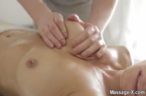 Жопастая Rita Rush седлает верхом ласкового массажиста 2