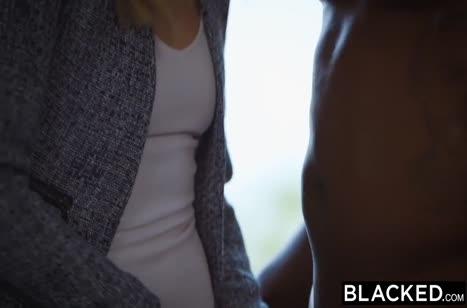 Черный хер пришелся в пору писечки красивой блондинки 2