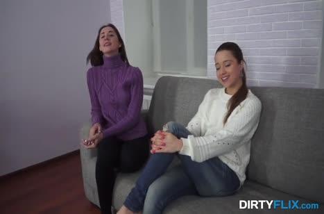 Две подружки биксы пришли вместе на порно пробы 1