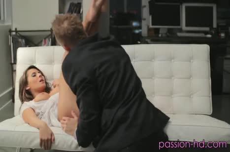 Роскошная милфа Мэдисон Айви любит большие мужские пенисы 2