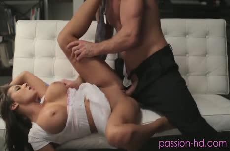 Роскошная милфа Мэдисон Айви любит большие мужские пенисы 3