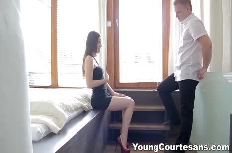 Молодая подружка готова к нежному сексу после ванной 2