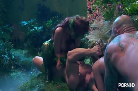 Красивые лесные нимфы занялись групповым сексом 6