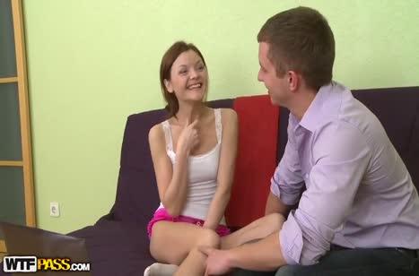 Развратная рыжая студентка готова к любительскому сексу 1