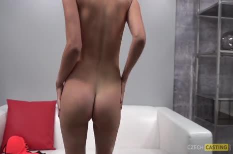 Неформальная блондинка снимает с мужиком порнуху 3